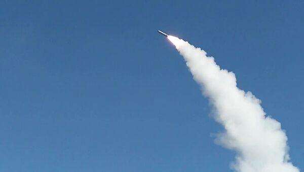 Rusya Savunma Bakanlığı'ndan yapılan açıklamada, Stratejik Füze Kuvvetleri tarafından Kapustin Yar Devlet Merkez Poligonu'nda İskender- M  balistik füze denemesi gerçekleştirildi denildi. - Sputnik Türkiye