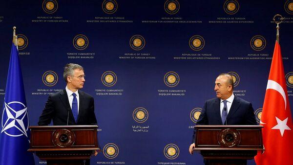 Dışişleri Bakanı Mevlüt Çavuşoğlu - NATO Genel Sekreteri Jens Stoltenberg - Sputnik Türkiye