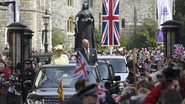 İngiltere Kraliçesi 2. Elizabeth- Prens Philip - Sputnik Türkiye