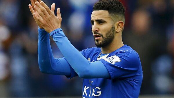 Leicester City'de forma giyen Riyad Mahrez - Sputnik Türkiye
