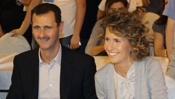 Suriye Devlet Başkanı Beşar Esad, eşi Esma ile  - Sputnik Türkiye