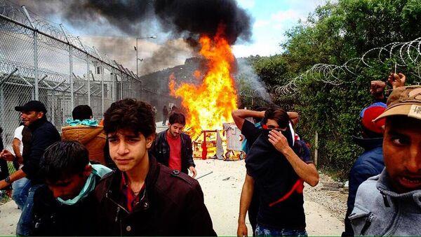 Midilli'deki Moira Sığınmacı Kampı'nda olaylar çıktı. - Sputnik Türkiye