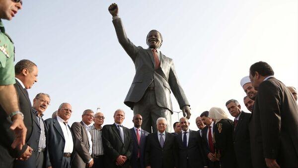 Filistin'e en büyük Mandela heykeli - Sputnik Türkiye