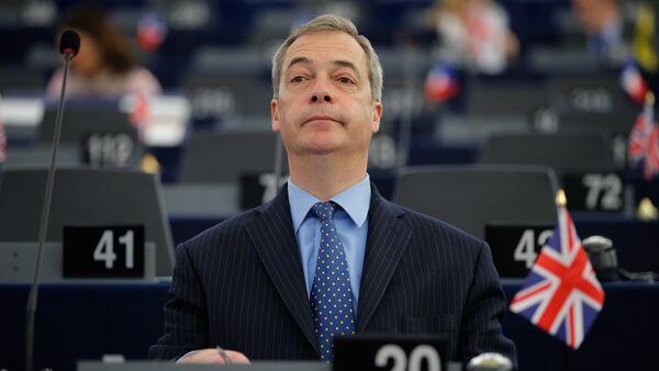 İngiltere'deki Birleşik Krallık Bağımsızlık Partisi (UKIP) lideri Nigel Farage - Sputnik Türkiye