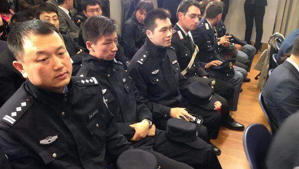 Çin polisi İtalya'da - Sputnik Türkiye