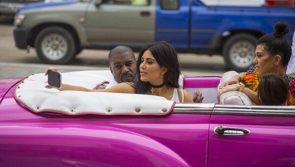 Kim Kardashian- Kanye West - Sputnik Türkiye