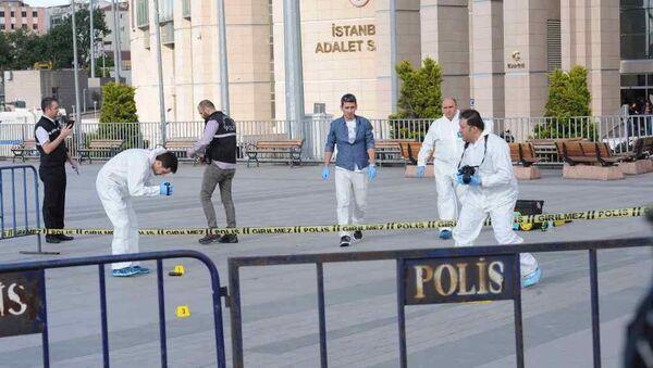 Cumhuriyet Gazetesi Genel Yayın Yönetmeni Can Dündar'a Çağlayan'daki İstanbul Adliyesi'nde silahlı saldırı girişiminde bulunuldu. - Sputnik Türkiye