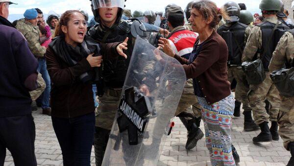 Kahramanmaraş'taki çadır protestosunda gerginlik - Sputnik Türkiye