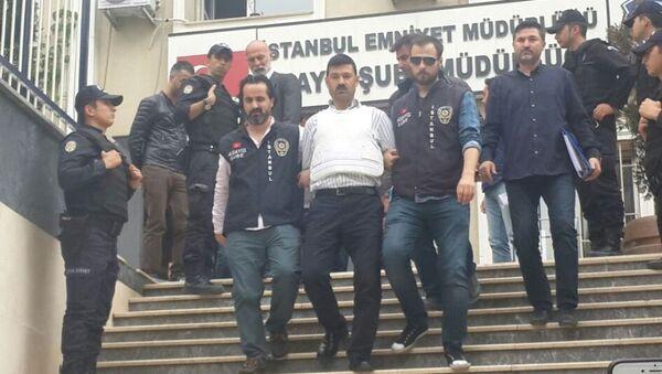 Gazeteci Can Dündar'a silahlı saldırı düzenleyen Murat Şahin tutuklandı. - Sputnik Türkiye