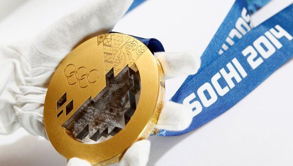 Soçi Olimpiyatları için üretilen altın madalya - Sputnik Türkiye