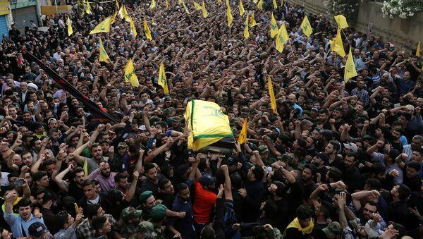 Hizbullah komutanı Mustafa Bedreddin'in cenaze töreni. - Sputnik Türkiye
