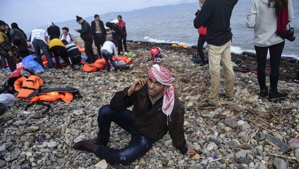 Akıllı telefonlar sığınmacılar için neden  önemli? - Sputnik Türkiye