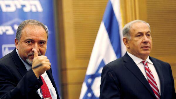 Avigdor Lieberman - Benyamin Netanyahu - Sputnik Türkiye