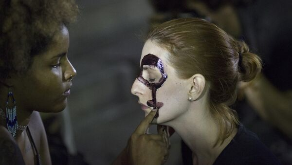 Brezilya'daki toplu tecavüz olayı protestolara neden oldu. - Sputnik Türkiye
