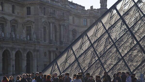 Louvre müzesi. - Sputnik Türkiye