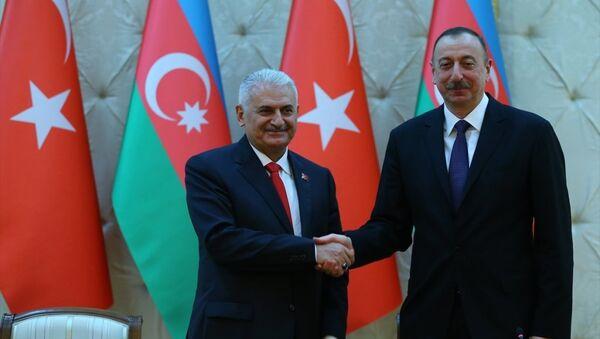 Binali Yıldırım -  İlham Aliyev - Sputnik Türkiye