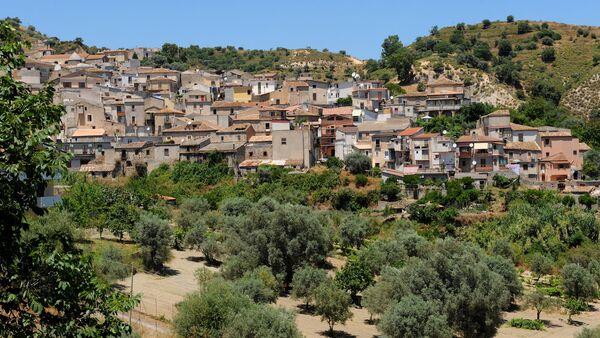 İtalya'ya gelen göçmenlere iş ve barınak imkanı sağlayan Riace kasabası. - Sputnik Türkiye