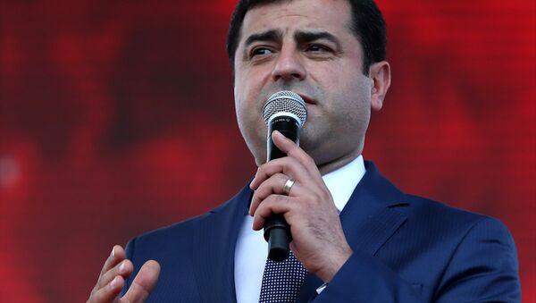HDP Eş Genel Başkanı Selahattin Demirtaş. - Sputnik Türkiye