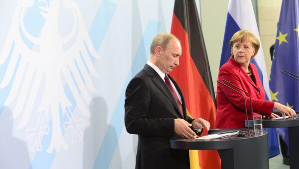 Vladimir Putin - Angela Merkel - Sputnik Türkiye
