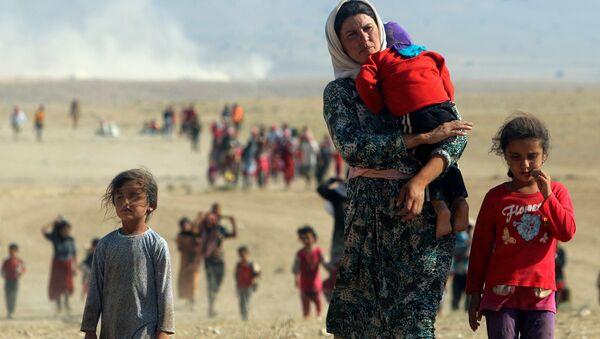 IŞİD'den kaçan Ezidi kadın ve çocuklar - Sputnik Türkiye