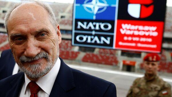 Polonya Savunma Bakanı Antoni Macierewicz - Sputnik Türkiye