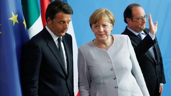 Almanya Başbakanı Angela Merkel, İtalya Başbakanı Matteo Renzi ve Fransa Cumhurbaşkanı Francois Hollande - Sputnik Türkiye