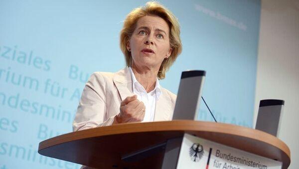 Allemagne : Ursula von der Leyen, première femme ministre de la Défense - Sputnik Türkiye
