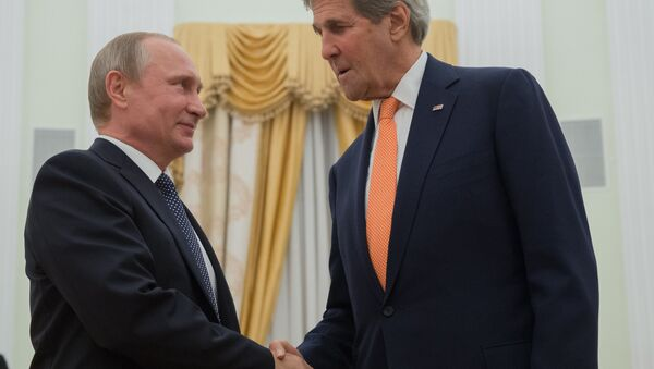Rusya Devlet Başkanı Vladimir Putin - ABD Dışişleri Bakanı John Kerry - Sputnik Türkiye
