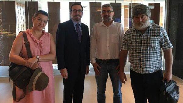 Büyükelçi Bass'tan Önderoğlu, Nesin ve Fincancı'ya ziyaret - Sputnik Türkiye