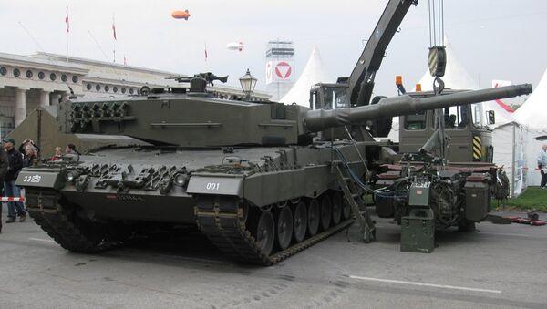 Alman üretimi Leopard 2A4 tipi tank - Sputnik Türkiye