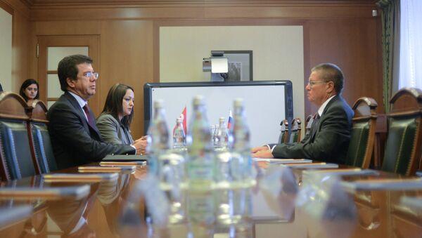 Türkiye Ekonomi Bakanı Nihat Zeybekci- Rusya Ekonomik Kalkınma Bakanı Aleksey Ulyukayev - Sputnik Türkiye