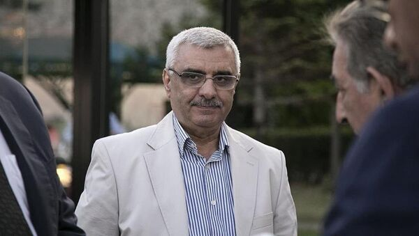 Eski Zaman gazetesinin yöneticileri ve yazarlarına yönelik soruşturma kapsamında hakkında gözaltı kararı çıkarılan Ali Bulaç yakalandı. - Sputnik Türkiye
