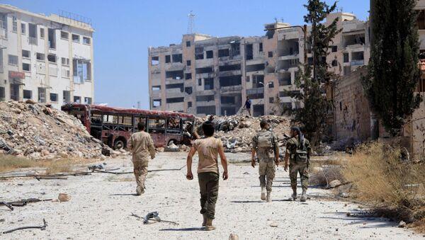 Beni Zeyd girişinde devriye gezen Suriye ordusu askerleri. - Sputnik Türkiye