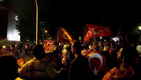 Almanya'da Türk bayraklı protesto - Sputnik Türkiye
