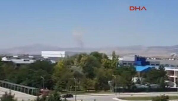 Akıncı Üssü'ndeki pistlerin bombalanmasının yeni görüntüleri ortaya çıktı. - Sputnik Türkiye