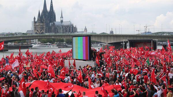 Köln'de 'Türkiye' protestoları - Sputnik Türkiye