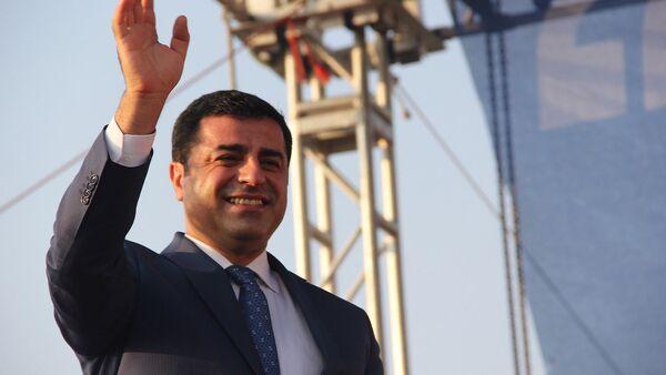 HDP Eş Genel Başkanı Selahattin Demirtaş - Sputnik Türkiye