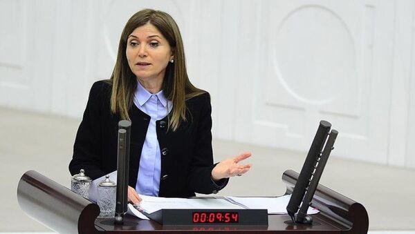 MHP Genel Başkan Yardımcısı Zuhal Topçu, görevinden istifa etti. - Sputnik Türkiye