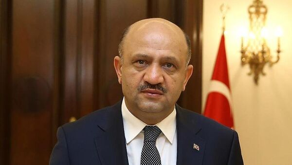 Milli Savunma Bakanı Fikri Işık - Sputnik Türkiye