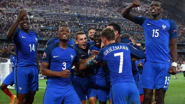 Ev sahibi Fransa, EURO 2016 finaline adını yazdırdı. - Sputnik Türkiye