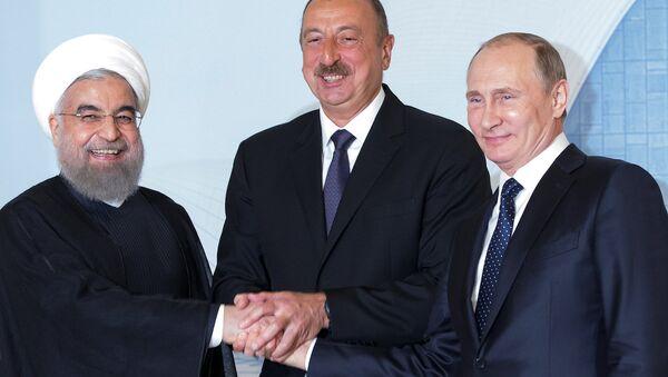 İran Cumhurbaşkanı Hasan Ruhani, Azerbaycan Cumhurbaşkanı İlham Aliyev ve Rusya Devlet Başkanı Vladimir Putin - Sputnik Türkiye
