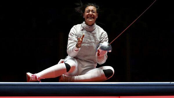 2016 Rio Olimpiyat Oyunları'nda kadınlar bireysel kılıçta iki sporcusu finale kalan Rusya'dan eskrimci Yana Yegoryan altın madalya kazandı - Sputnik Türkiye