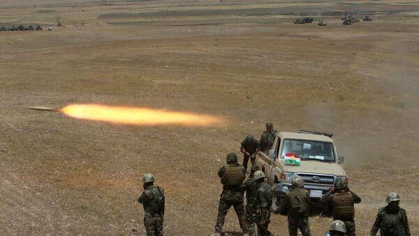 Musul'da IŞİD'e karşı savaşan peşmerge güçleri - Sputnik Türkiye