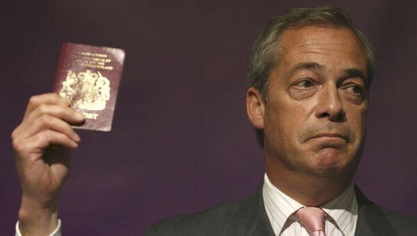 Eski Birleşik Krallık Bağımsızlık Partisi'nin (UKIP) Genel Başkanı Nigel Farage - Sputnik Türkiye