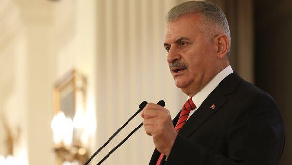 Başbakan Binali Yıldırım, Çankaya Köşkü'nde, Türkiye'de mukim diplomatik misyon şefleri onuruna verilen akşam yemeğine katıldı. Başbakan Yıldırım, yemekte konuşma yaptı. - Sputnik Türkiye