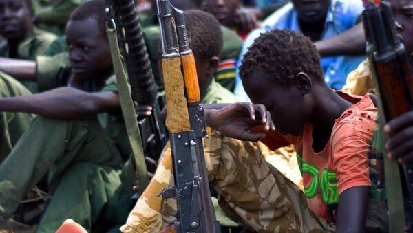 Güney Sudan çocuk asker - Sputnik Türkiye