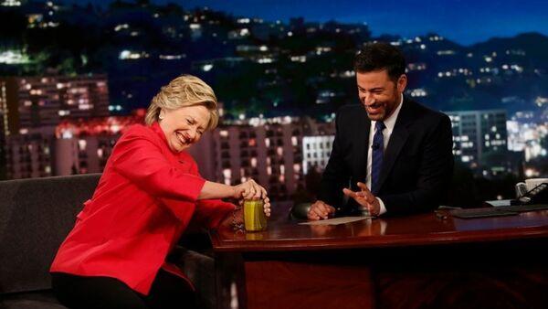 Hillary Clinton, Jimmy Kimmel Şov'da kavanoz açtı - Sputnik Türkiye