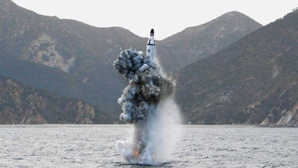 Kuzey Kore'den balistik füze denemesi - Sputnik Türkiye