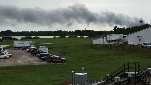 SpaceX'in Florida'daki üssünde roket kalkış esnasında havaya uçtu - Sputnik Türkiye