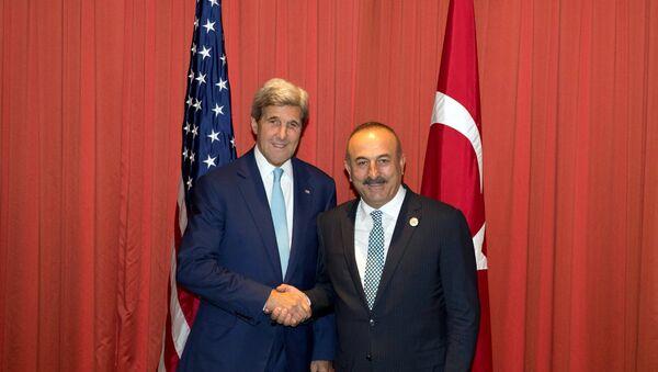 ABD Dışişleri Bakanı John Kerry- Türkiye Dışişleri Bakanı Mevlüt Çavuşoğlu - Sputnik Türkiye